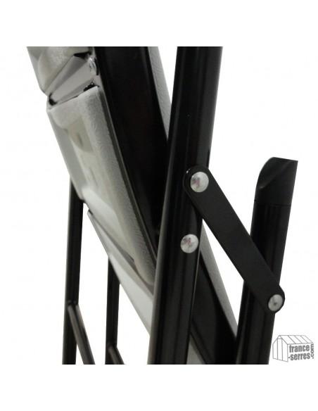 Nos chaises pliantes ont une structure en Acier de 28mm de diamètre et de 1mm d'épaisseur avec peinture epoxy anticorrosion