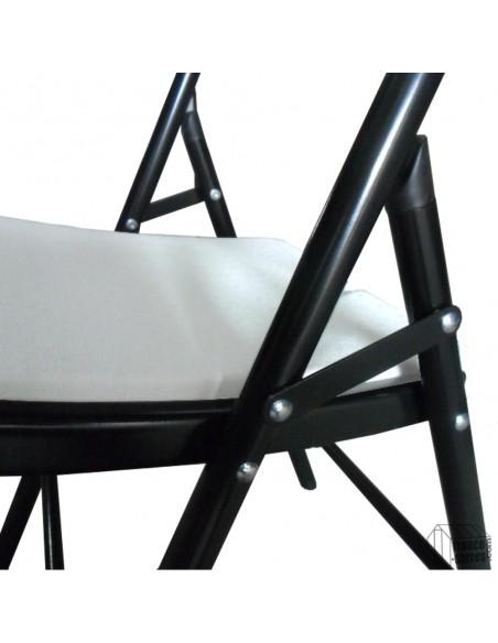 Dépliez, bloquez, posez... Votre chaise pliante est prête à être utilisée en quelques secondes seulement et sans outil