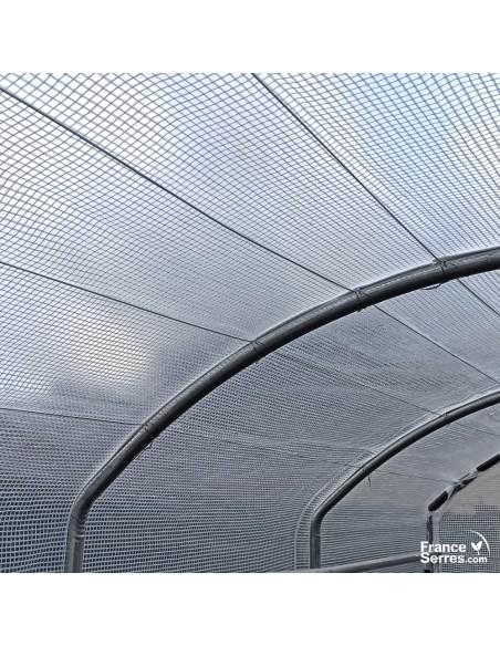 Le fil Deltex Pro renforce la structure et protège la bâche