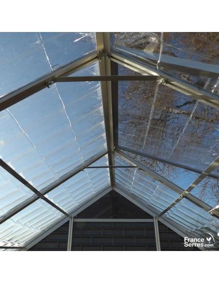 Entretoises de renfort en aluminium sous la toiture de notre serre de jardin polycarbonate
